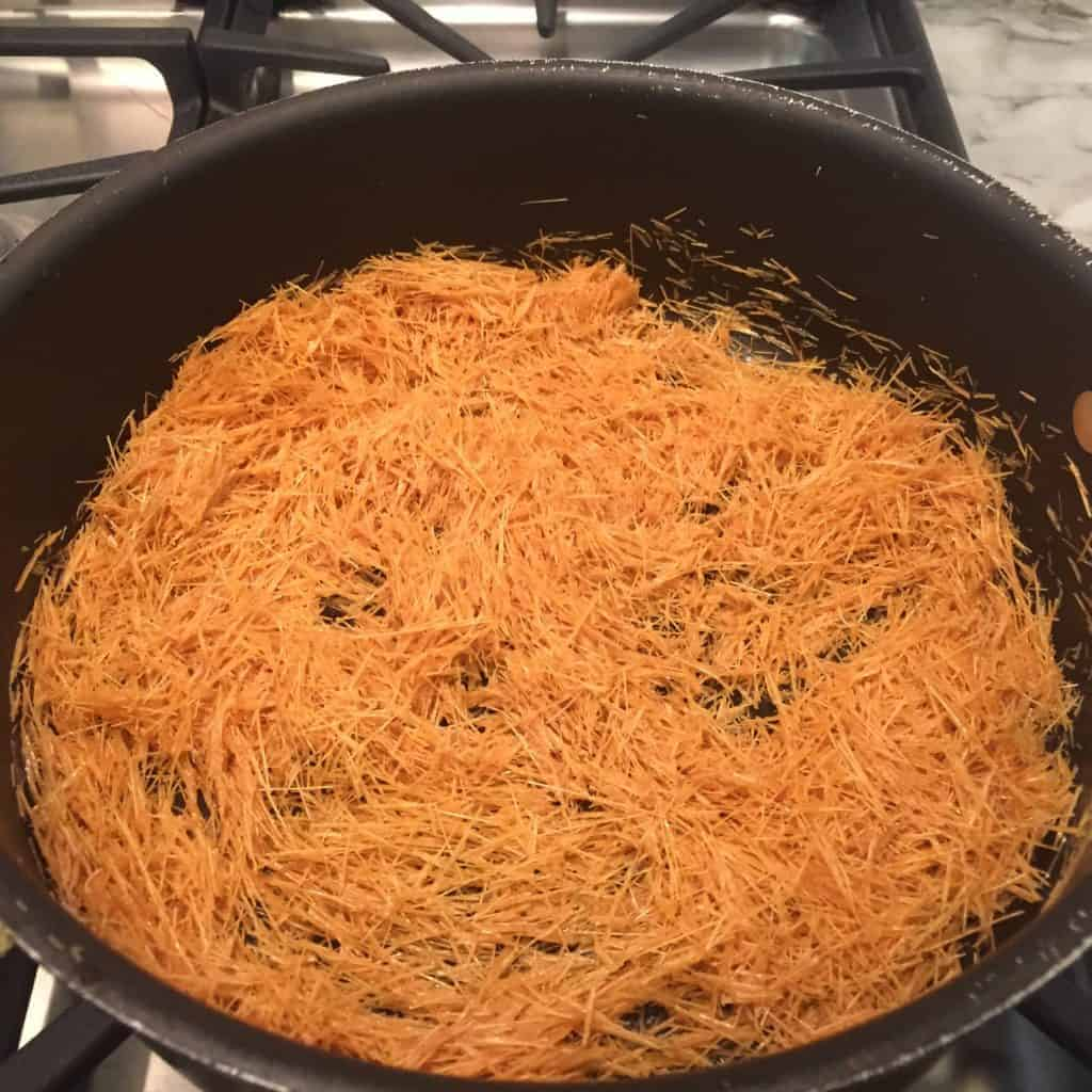 Roasted vermicelli in a non stick pan