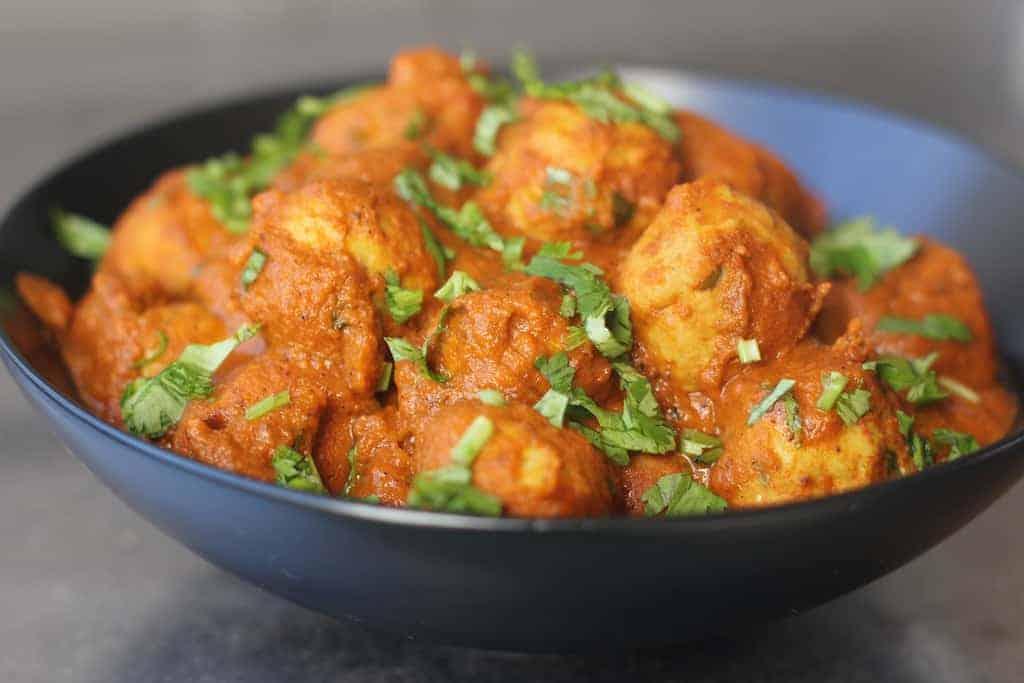 Chicken kofta curry {chicken meatballs curry}