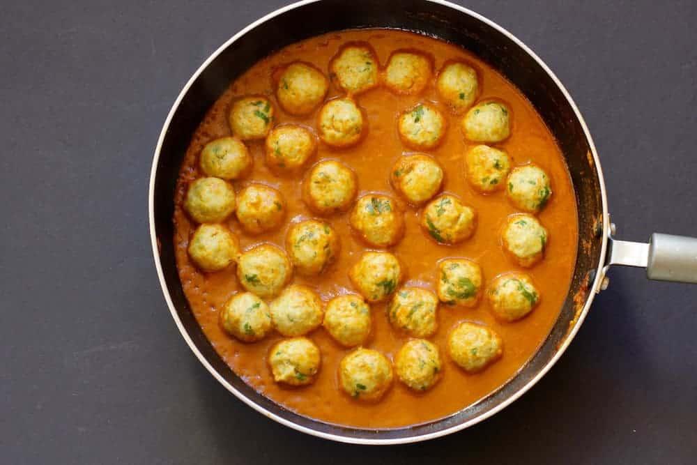 chicken-kofta-curry-steam