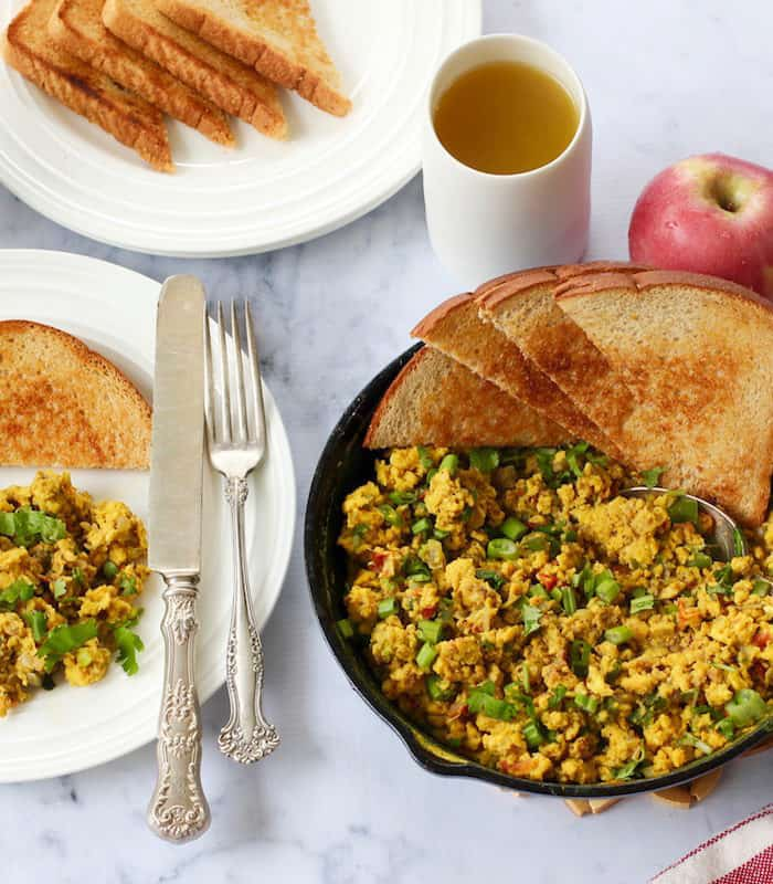 Egg Bhurji {Indian scrambled eggs}