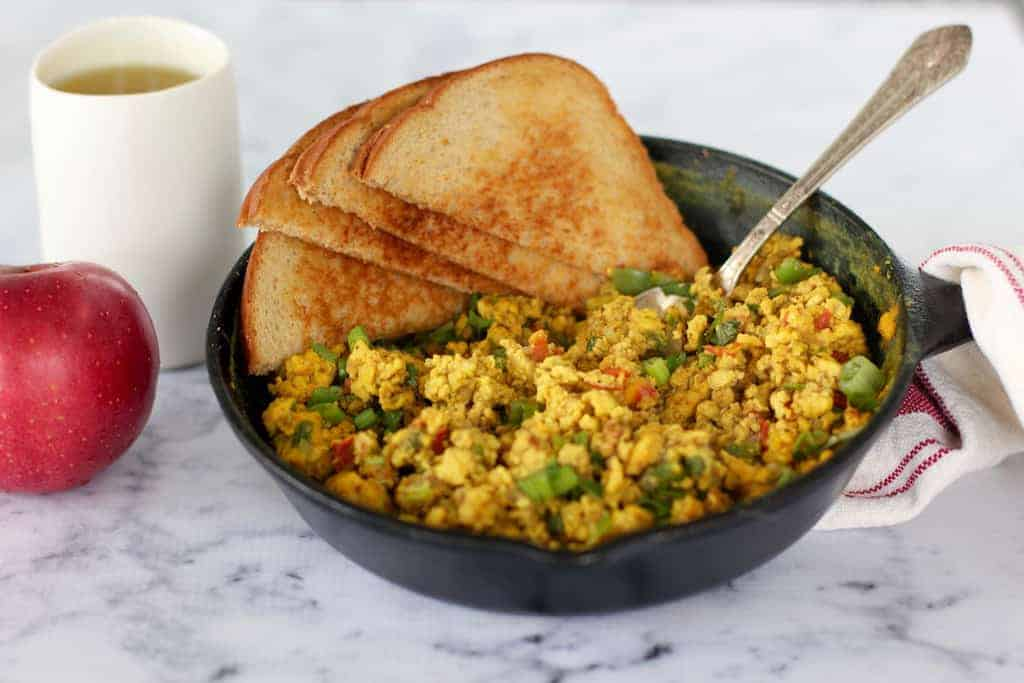 Egg Bhurji {Indian scrambled eggs} - Ministry of Curry