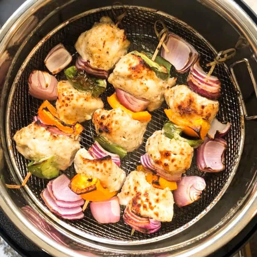 chicken kebobs in air fryer  basket