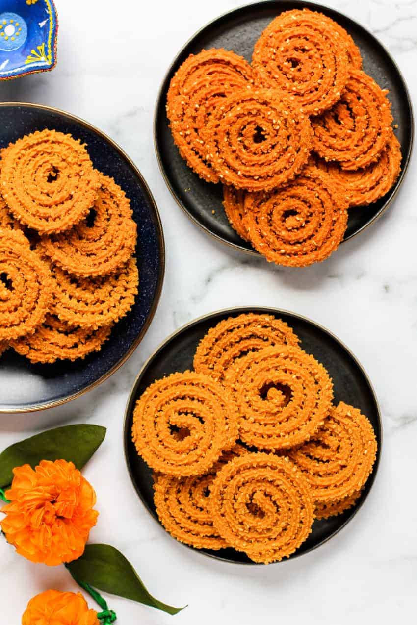 chakli made with traditional bhajani and instant bhajani mix