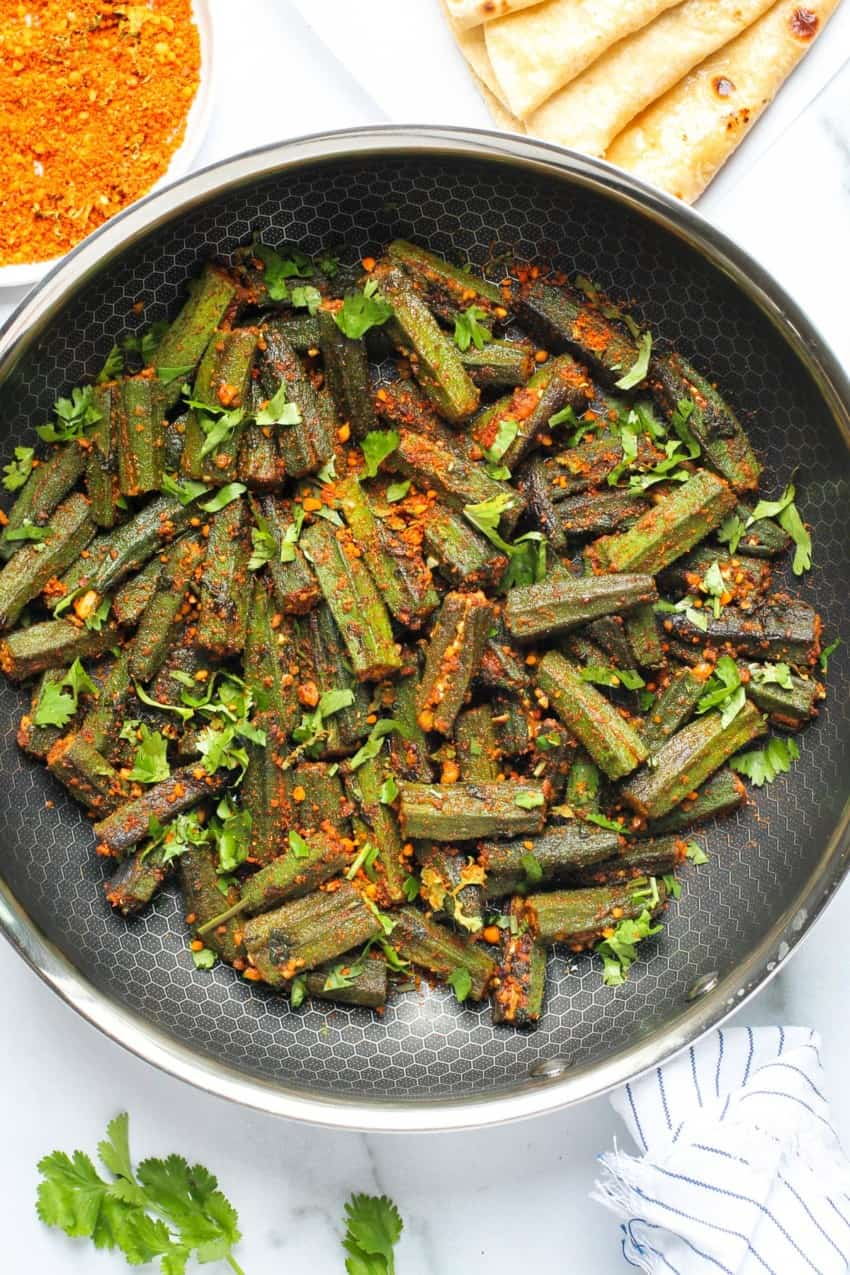 cooked okra in a frying pan