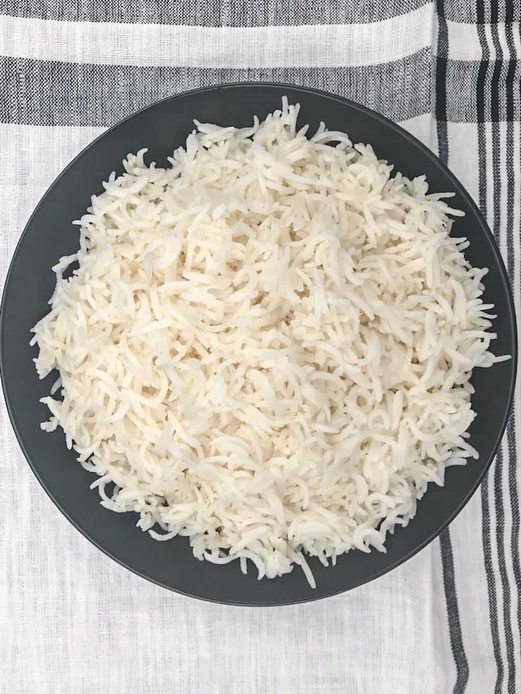Basmati rice in a black bowl