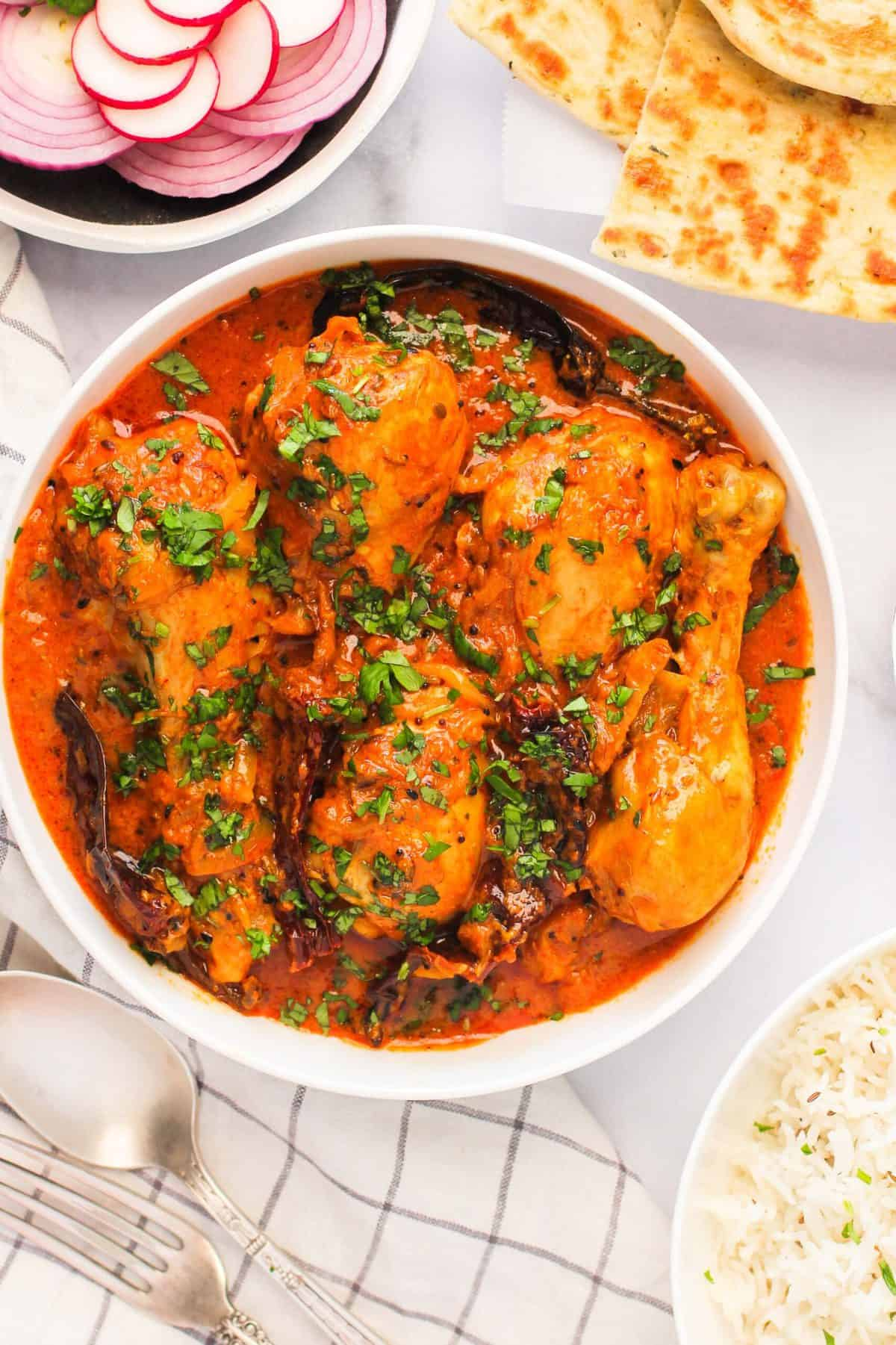 achaari chicken curry with rice & naan
