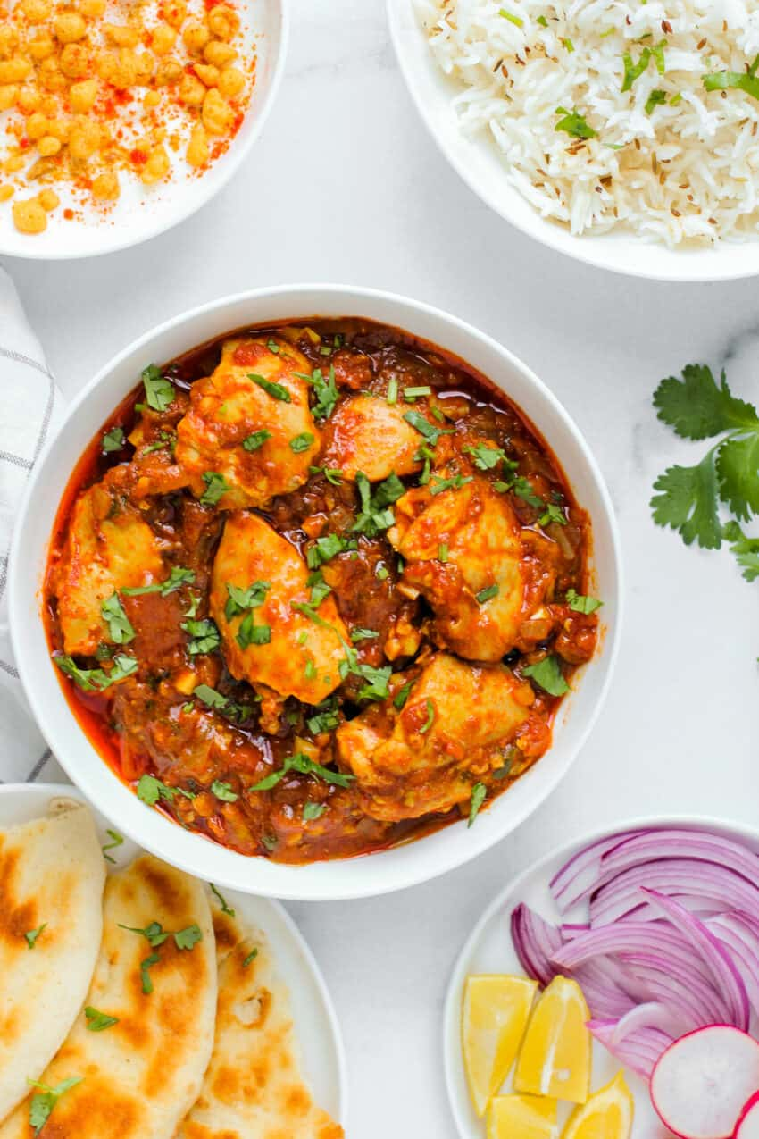 karahi chicken served with naan
