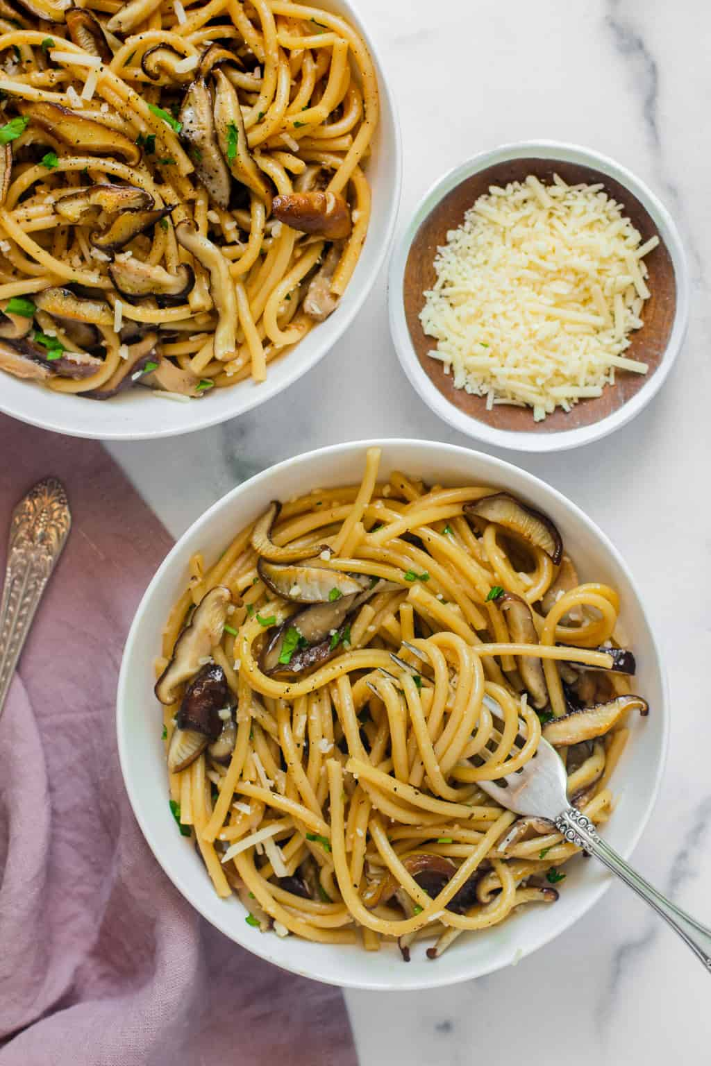 spaghetti with shiitake mushrooms