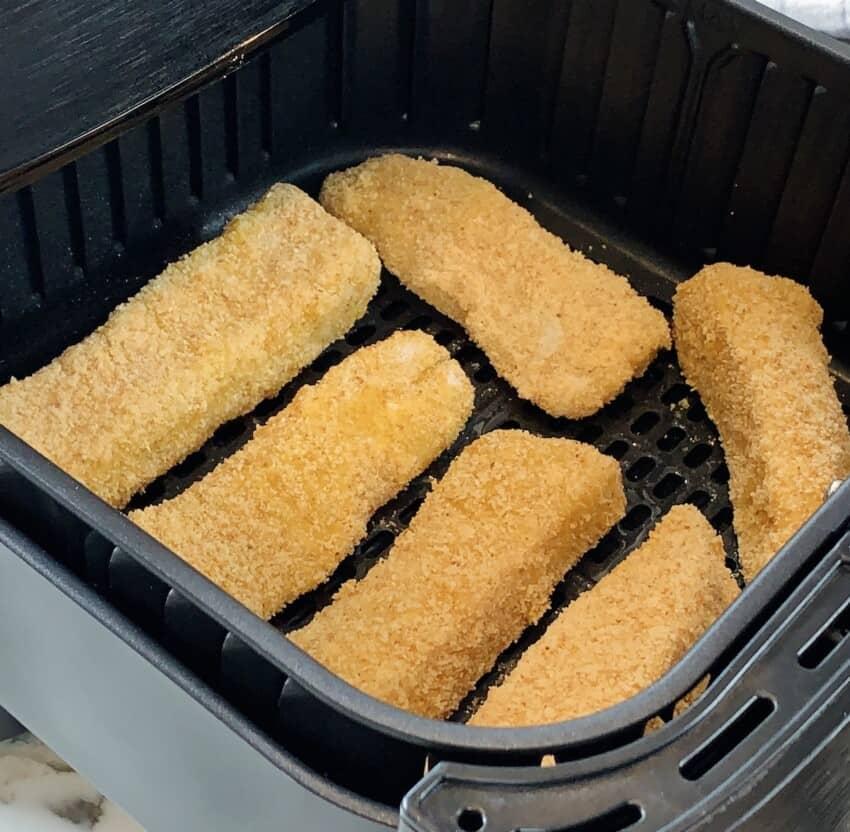 fish sticks in airfryer basket