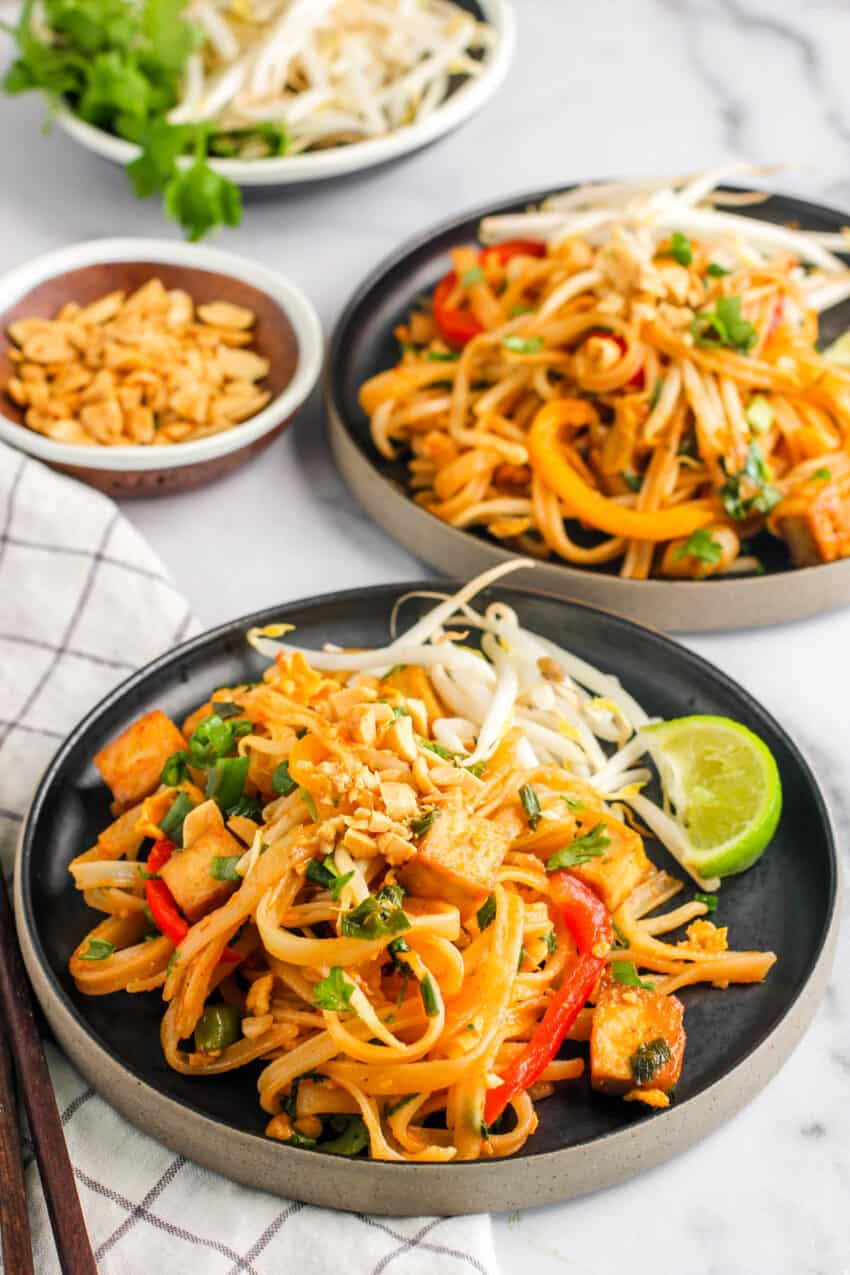 Pad Thai served with bean sprouts and lime wedge