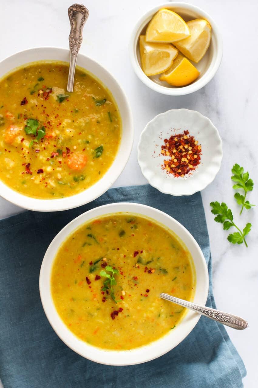 2 bowls of mulligatawny soup
