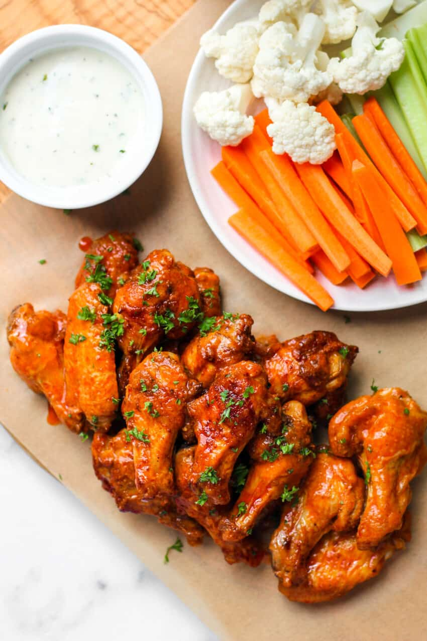 Buffalo chicken winds with ranch and veggies