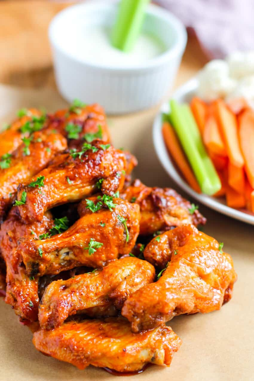 buffalo chicken wings serves with veggie sticks and bleu cheese