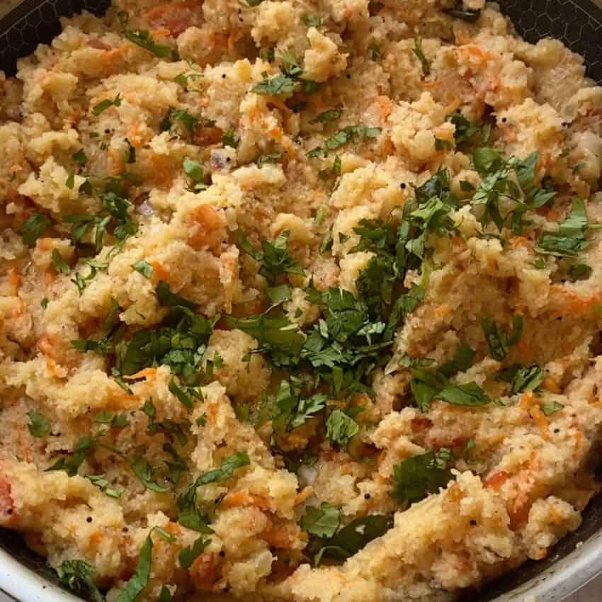 upma garnished with cilantro