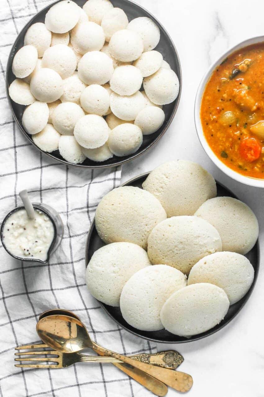 Idli and mini idli with sambar and chutney